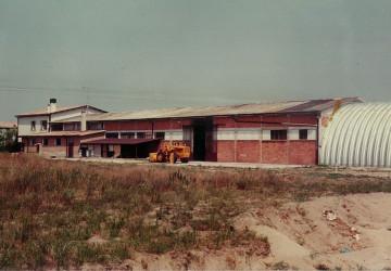 1981, fecero costruire un deposito per i cereali essiccati